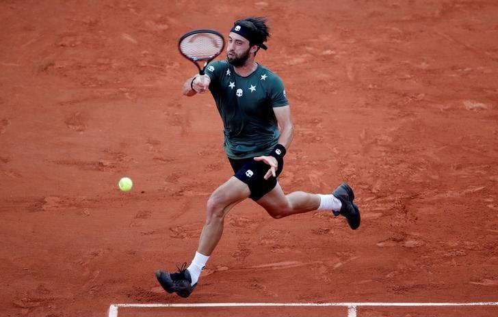 Tennis - French Open - Roland Garros, Paris, France - June 2, 2017   Georgia's Nikoloz Basilashvili in action during his third round match against Spain's Rafael Nadal   Reuters / Christian Hartmann
