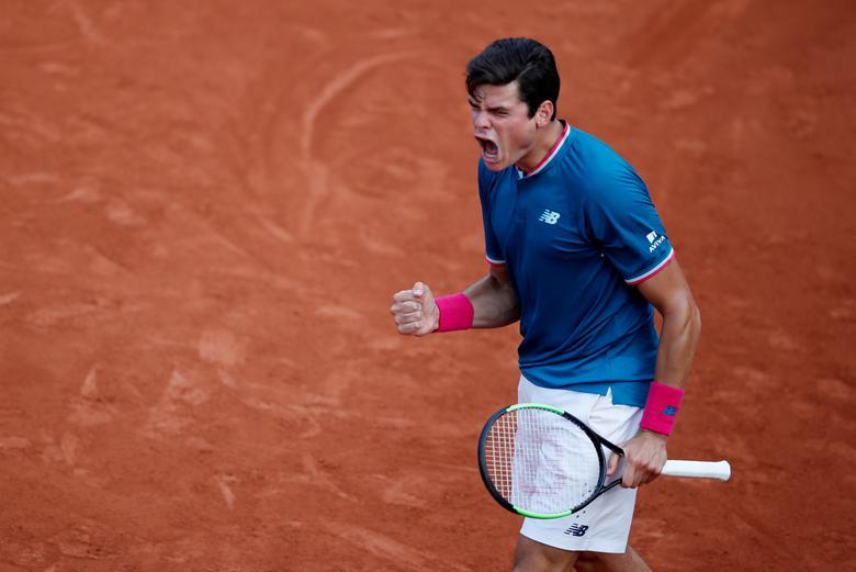 Tennis - French Open - Roland Garros, Paris, France - 31/5/17 Canada's Milos Raonic reacts during his second round match against Brazil's Rogerio Dutra Silva Reuters / Christian Hartmann