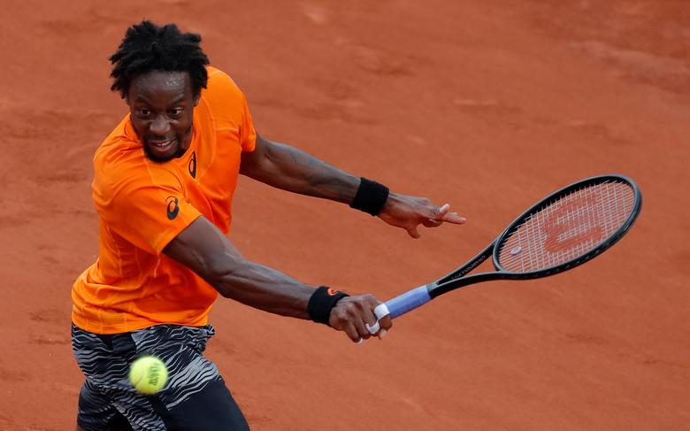 Tennis - French Open - Roland Garros, Paris, France - 1/6/17 France's Gael Monfils in action during his second round match against Brazil's Thiago Monteiro Reuters / Gonzalo Fuentes