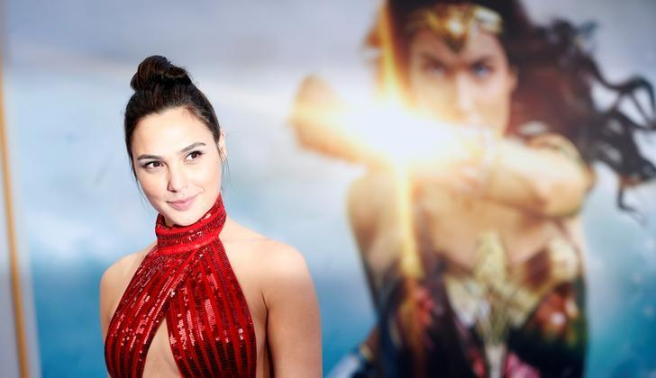 Cast member Gal Gadot poses at the premiere of ''Wonder Woman'' in Los Angeles, California U.S., May 25, 2017.   REUTERS/Mario Anzuoni