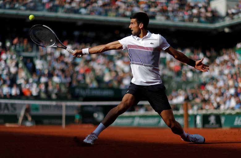 Tennis - French Open - Roland Garros, Paris, France - June 4, 2017 Serbia's Novak Djokovic in action during his fourth round match against Spain's Albert Ramos-Vinolas Reuters / Gonzalo Fuentes