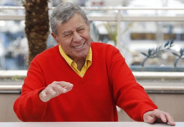 6月5日、米俳優でコメディアンのジェリー・ルイスさん(91)が2日夜、尿路感染症の治療のためラスベガスの病院に入院した。代理人が明らかにしたもので、数日で退院できる見込みだという。写真は2013年5月カンヌで撮影(2017年 ロイター/Regis Duvignau)
