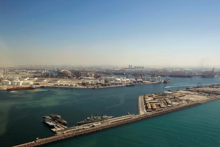 FILE PHOTO: A view of the Jebel-Ali port in Dubai, United Arab Emirates, November 8, 2007. REUTERS/Steve Crisp/File Photo