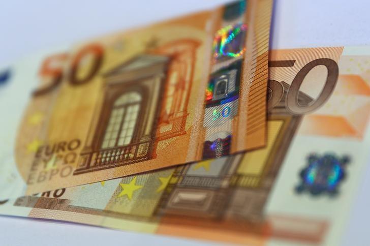 2017年3月16日,法兰克福,德国央行展示的新版欧元纸币。REUTERS/Kai Pfaffenbach