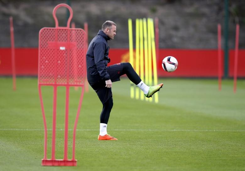 Britain Football Soccer - Manchester United Training - Manchester United Training Ground - 23/5/17 Manchester United's Wayne Rooney during training Reuters / Andrew Yates Livepic