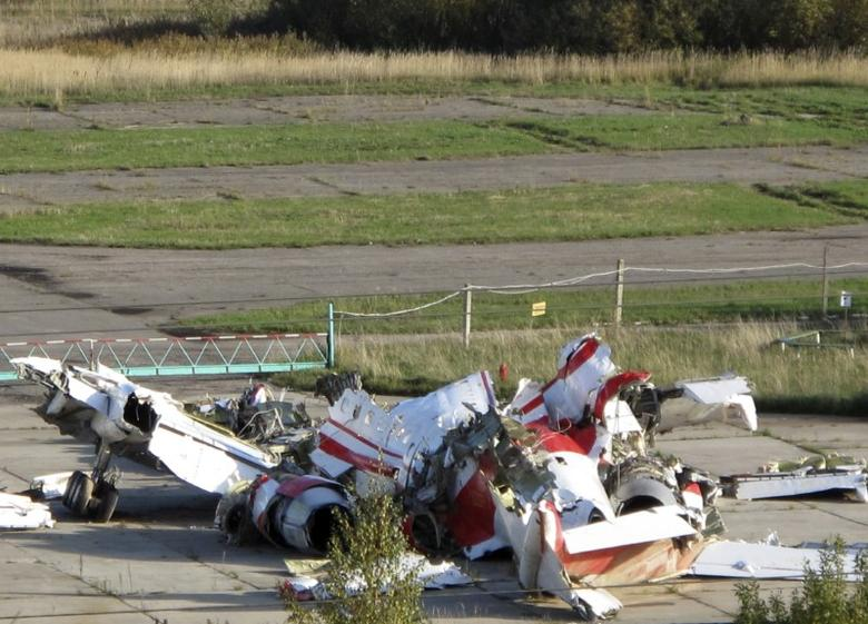 The wreckage of the Polish Tupolev Tu-154M presidential aircraft is seen at the airport in Smolensk October 1, 2010. REUTERS/Lidia Kelly/Files