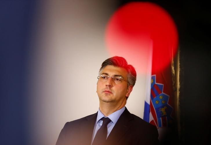 Croatian Prime Minister Andrej Plenkovic addresses a news conference in Vienna, Austria, May 5, 2017.   REUTERS/Leonhard Foeger