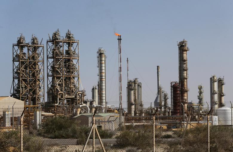 FILE PHOTO: Pipelines are seen at the industrial zone at the oil port of Brega, Libya, January 12, 2017. REUTERS/Esam Omran Al-Fetori/File Photo