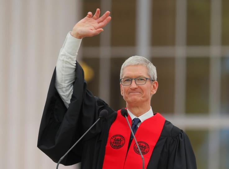 Apple's Cook Tells MIT Graduates: Temper Technology with Humanity