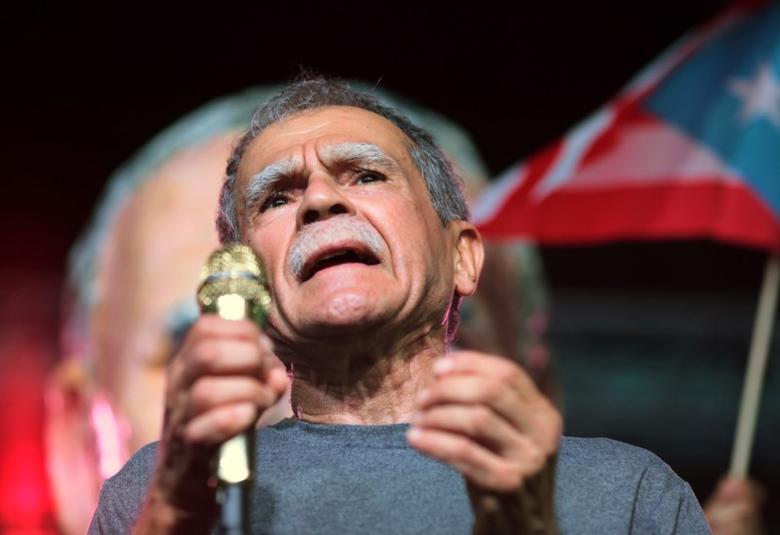 FILE PHOTO - Puerto Rican Oscar Lopez Rivera attends a rally in his honour after being released from house arrest in San Juan, Puerto Rico May 17, 2017. REUTERS/Alvin Baez