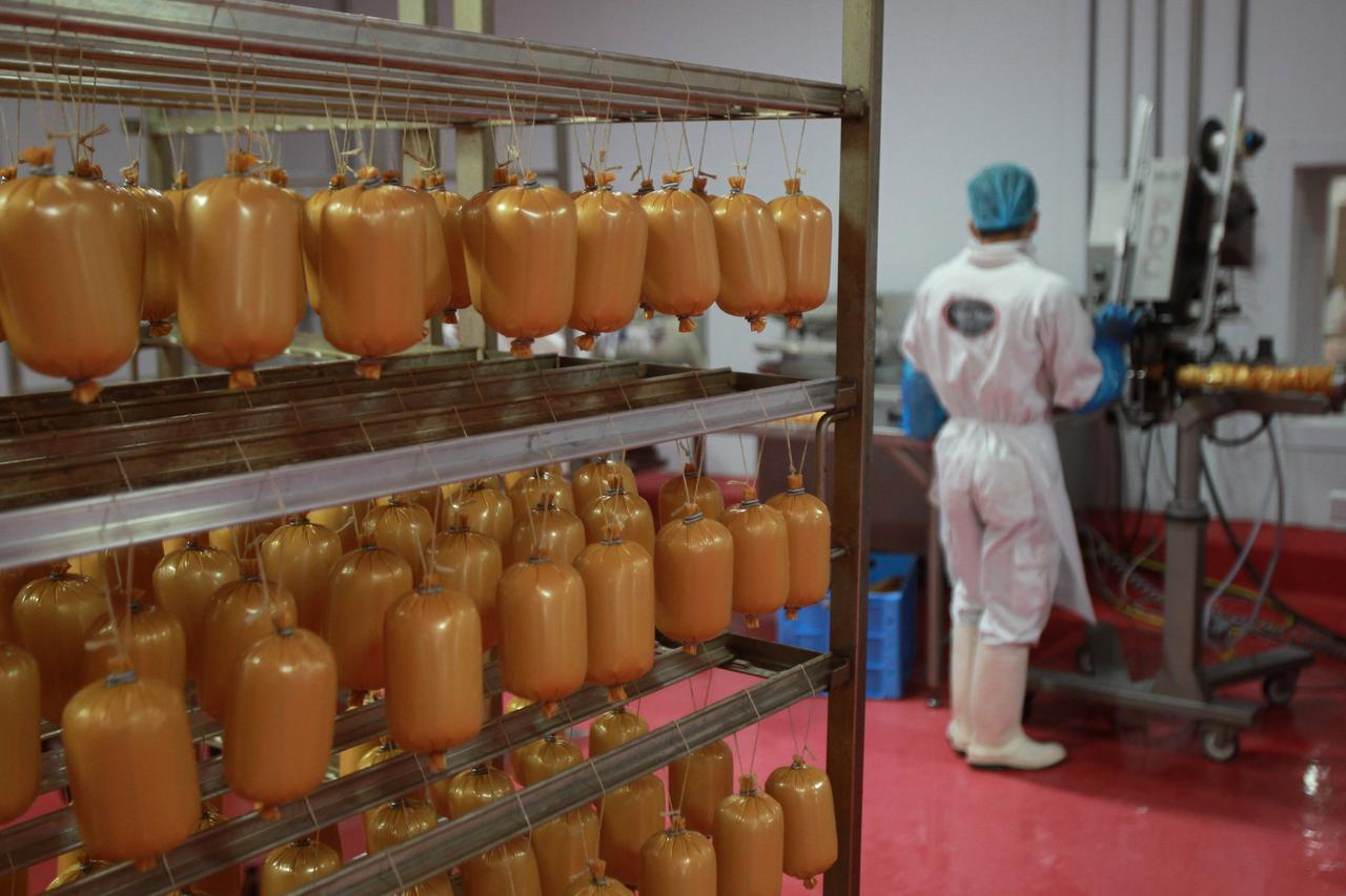 As Gulf crisis bites, Qatari food factories seek to fill gap