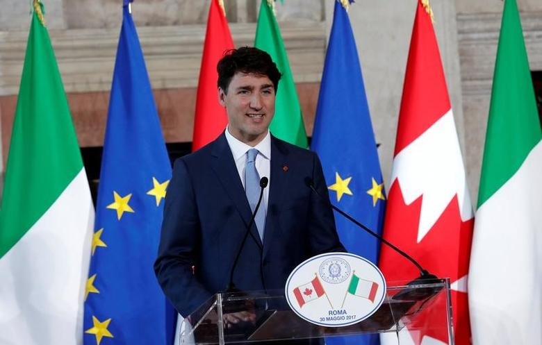 Canada's Prime Minister Justin Trudeau attends a media conference with Italian Prime Minister Paolo Gentiloni in Rome, Italy May 30, 2017. REUTERS/Remo Casilli