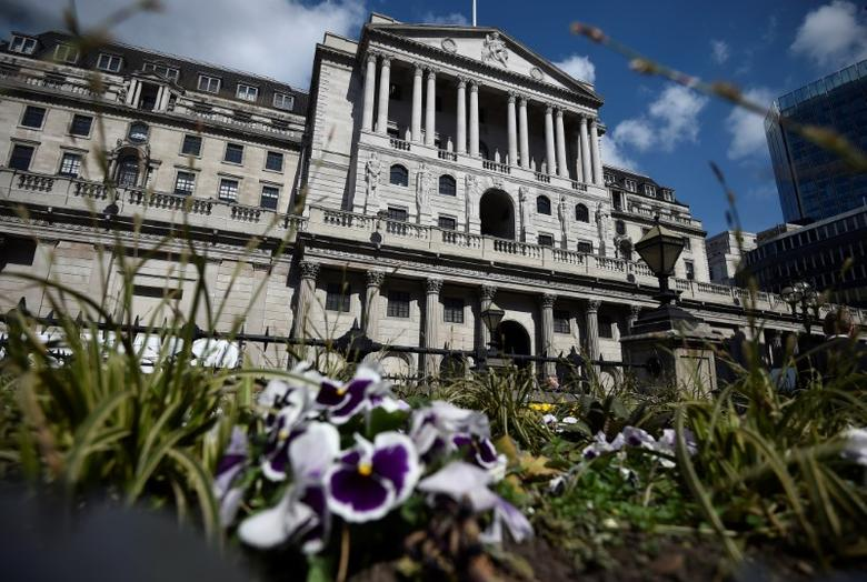 FILE PHOTO: A general view shows the Bank of England in the City of London, Britain April 19, 2017.REUTERS/Hannah McKay/File Photo