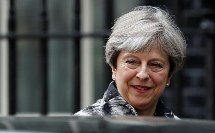 2017年6月12日,英国伦敦,英国首相特雷莎·梅走出首相府。REUTERS/Stefan Wermuth