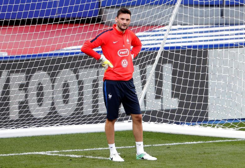 Football Soccer - France Training - Stade de France, St Denis, France - June 12, 2017   Hugo Lloris of France during training   Reuters / Charles Platiau