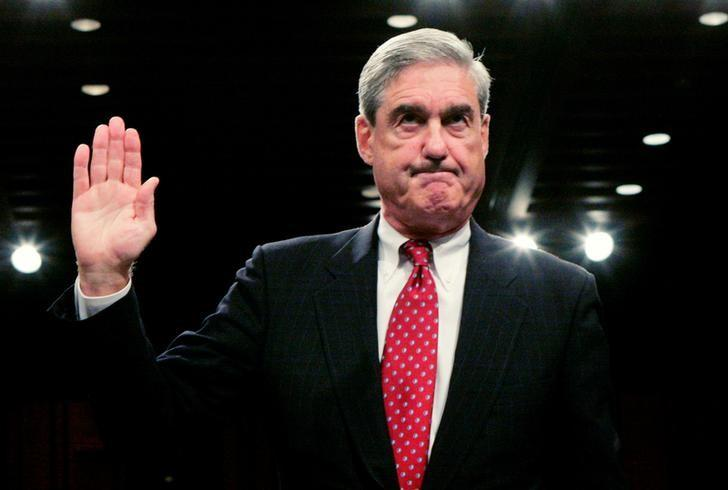FILE PHOTO: FBI Director Robert Mueller is sworn in to testify before the Senate Judiciary Committee during a hearing on ''Oversight of the Federal Bureau of Investigation (FBI),'' on Capitol Hill in Washington September 17, 2008. REUTERS/Molly Riley/File Photo
