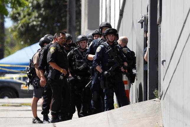 6月14日、米宅配大手ユナイテッド・パーセル・サービスのサンフランシスコの配送施設(写真)で、同社のユニフォームを着用し武装した男が銃を乱射し、3人が死亡した。(2017年 ロイター/Stephen Lam)