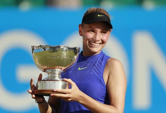 6月18日、女子テニスのエイゴン・オープンは英国のノッティンガムでシングルス決勝を行い、20歳のドナ・ベキッチ(クロアチア、写真)が世界ランク8位で第1シードのジョアンナ・コンタ(英国)を2─6、7─6、7─5の逆転で下した(2017年 ロイター)