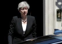 رئيسة الوزراء البريطانية تيريزا ماي في لندن يوم الاثنين. تصوير: ستيفان ورموث - رويترز