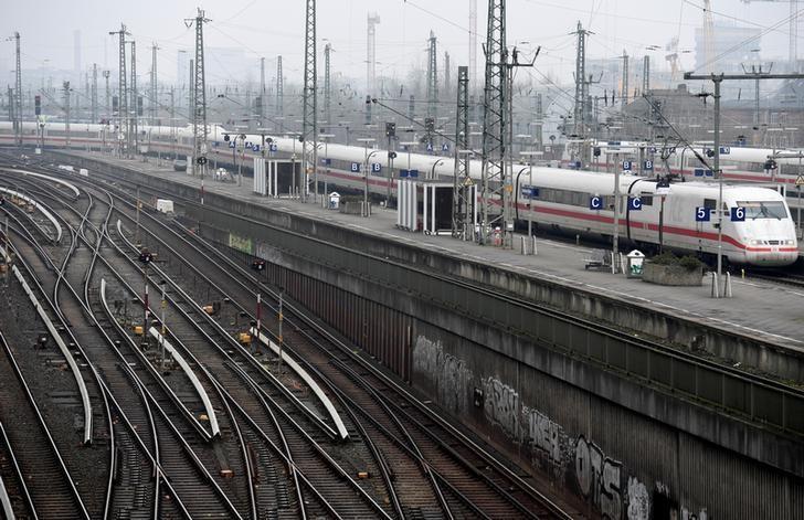 An ICE high-speed train arrives at the station Hamburg Altona in Hamburg, Germany, February 2, 2017. REUTERS/Fabian Bimmer