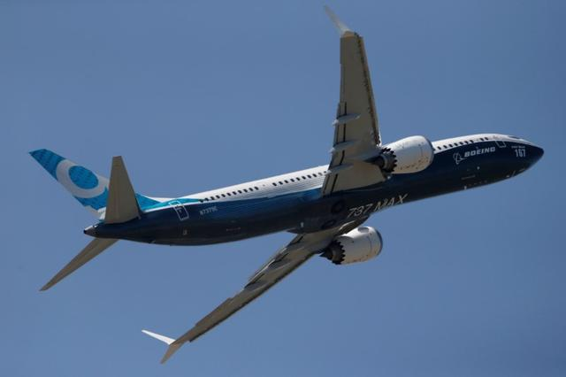 A Boeing 737 Max takes part in a flyng display at the first day of the 52nd Paris Air Show at Le Bourget airport near Paris, France June 19, 2017. REUTERS/Pascal Rossignol