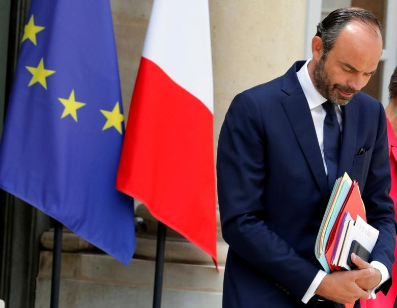 French Prime Minister Edouard Philippe leaves at the end of the weekly cabinet meeting at the Elysee Palace in Paris, France, June 7, 2017.  REUTERS/Philippe Wojazer