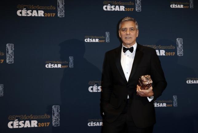 6月21日、英酒造大手ディアジオは、米人気俳優ジョージ・クルーニー氏らから高級テキーラブランド「カーサミーゴス」を買い取ることで合意したと発表した。価格は最大10億ドル(約1100億円)。写真は2月撮影(2017年 ロイター/Gonzalo Fuentes)