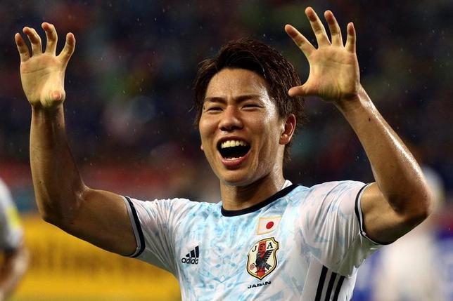 6月22日、サッカーの日本代表FW浅野拓磨は、引き続きシュツットガルト(ドイツ)でプレーする決断を下したと自身の公式ブログで発表した。2016年9月撮影(2017年 ロイター/Athit Perawongmetha)