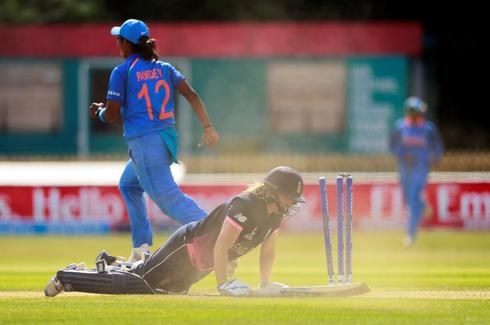 Women's Cricket World Cup - England vs India