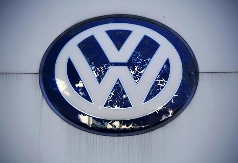 U.S. judge allows some VW investor diesel claims to proceed