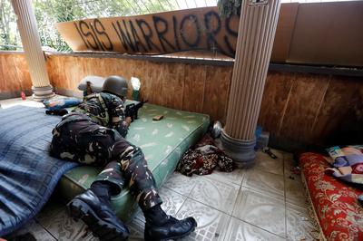Battle for besieged Philippine city