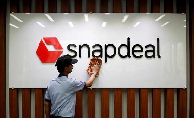 7月6日、ソフトバンクが筆頭株主を務めるインドのネット通販大手スナップディールはこのほど、同業フリップカートから提示された買収案を拒否した。写真はニューデリーで4月撮影(2017年 ロイター/Adnan Abidi)