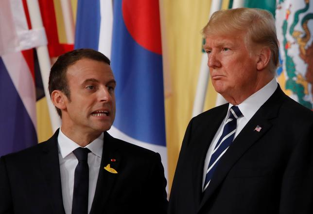 7月12日、トランプ米大統領は、フランスのマクロン大統領との会談に向けパリへ出発する。両首脳はシリア問題やテロ対策などで協力を目指す一方、地球温暖化や貿易など見解の対立する問題には踏み込まない見通しだ。写真はハンブルグのG20で7日撮影(2017年 ロイター/WOLFGANG RATTAY)
