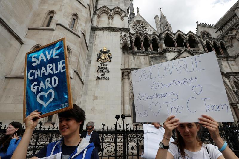CharlieGard: social media turns family tragedy into global war of