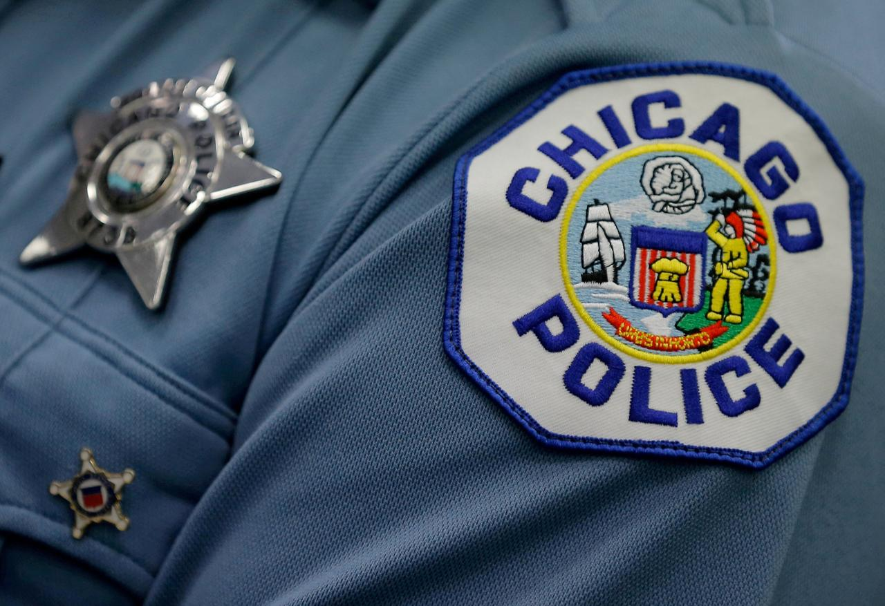 As shootings soar, Chicago police use technology to predict