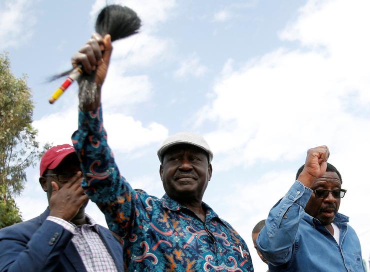 Kenya opposition leader defies pressure to concede defeat