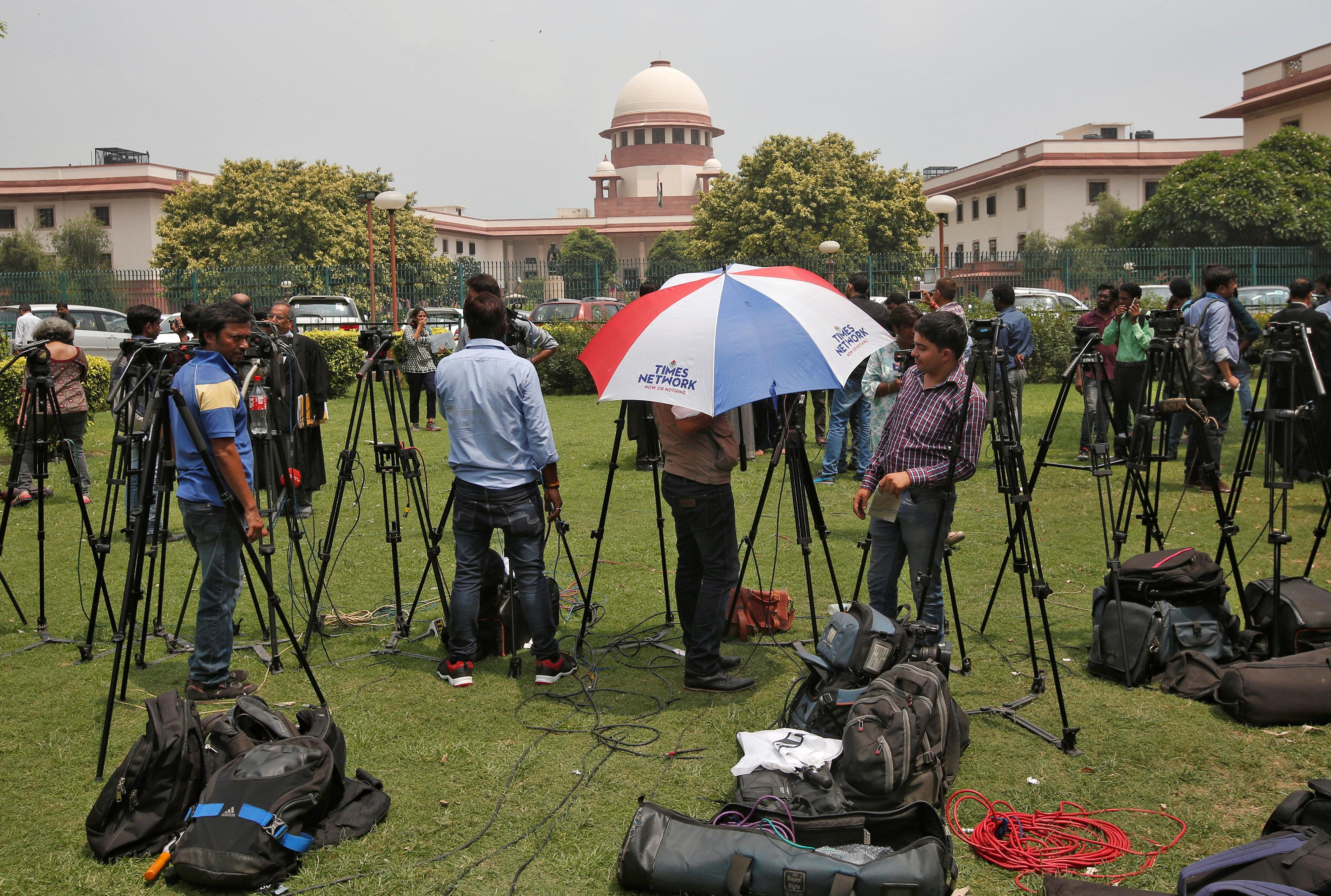 Muslim divorce law 'unconstitutional', rules India's top court - Reuters