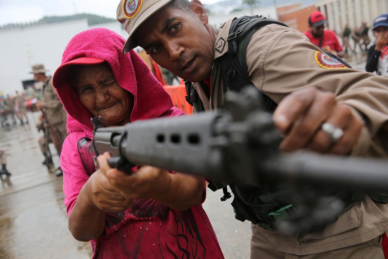 venezuelan army civil militias hold exercises after trump threat