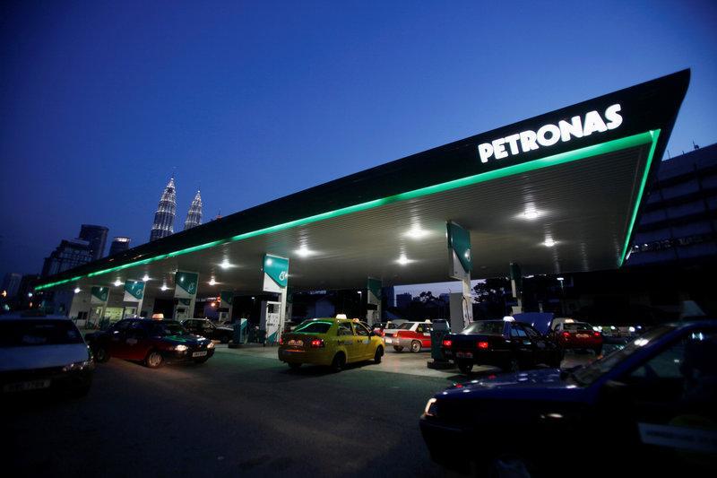Petronas, Aramco keen on $1.8 billion Daewoo E&C controlling stake