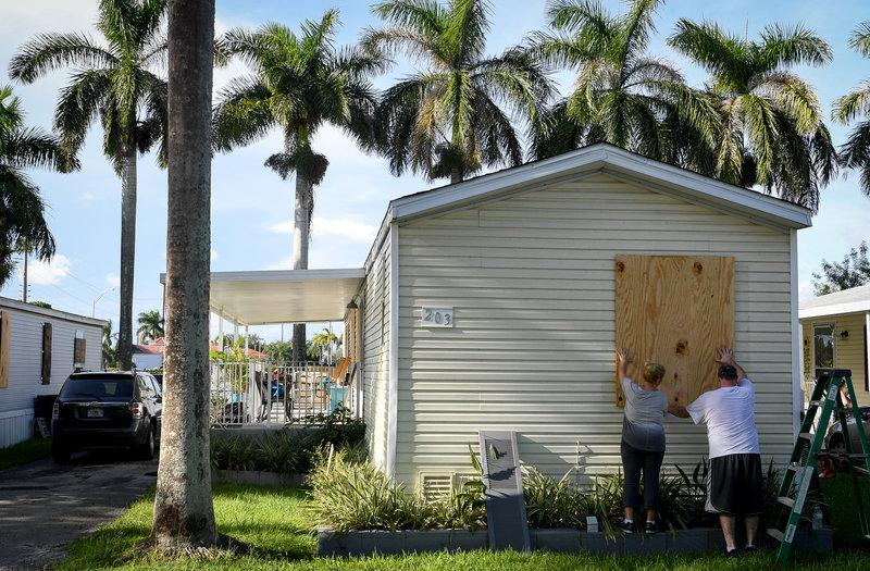 Few Mobile Homes In Florida Are Storm Ready Despite Code Reuters