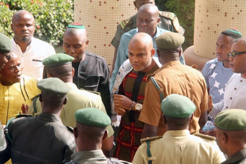 Biafra separatists, Nigerian army disagree over siege allegations - Reuters