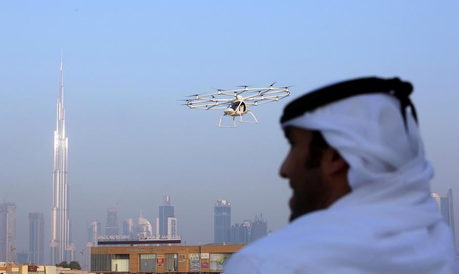 Kết quả hình ảnh cho Dubai starts tests in bid to become first city with flying taxis