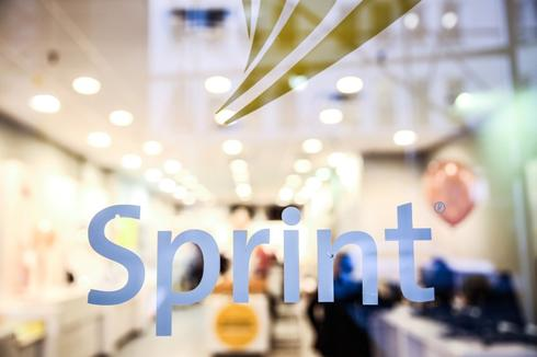 Sprint's quarterly loss narrower than estimated; merger expected