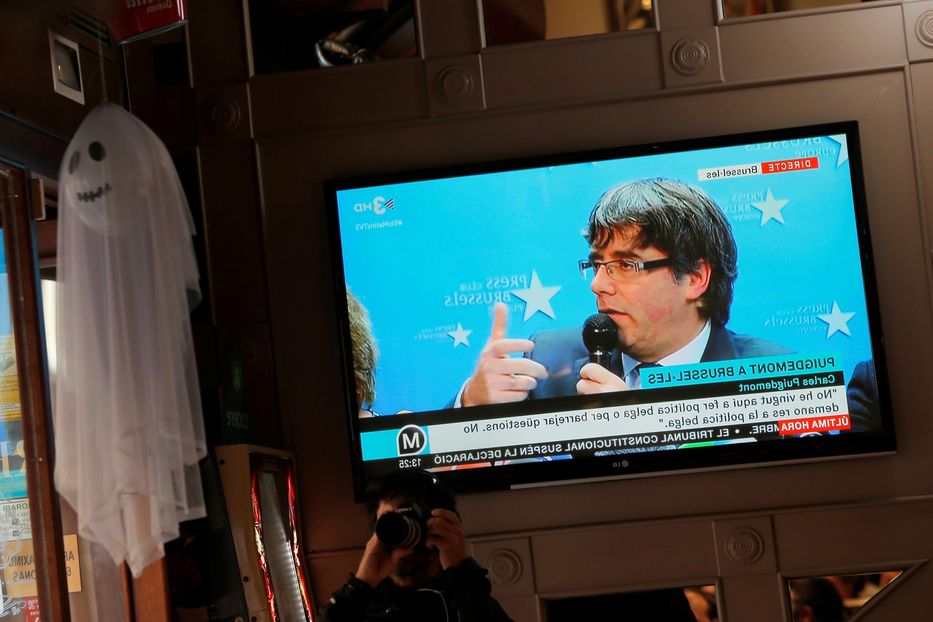 هیچ چابهار - تبعید بلژیکی رهبر کاتالان