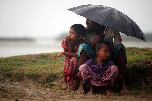 Rohingya in the rain