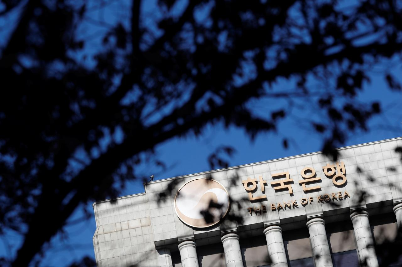 South Korea households, companies strong enough to handle a