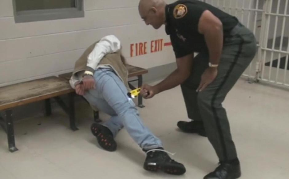 Ohio politicians call for inquiry into jail stun-gun abuses cited by