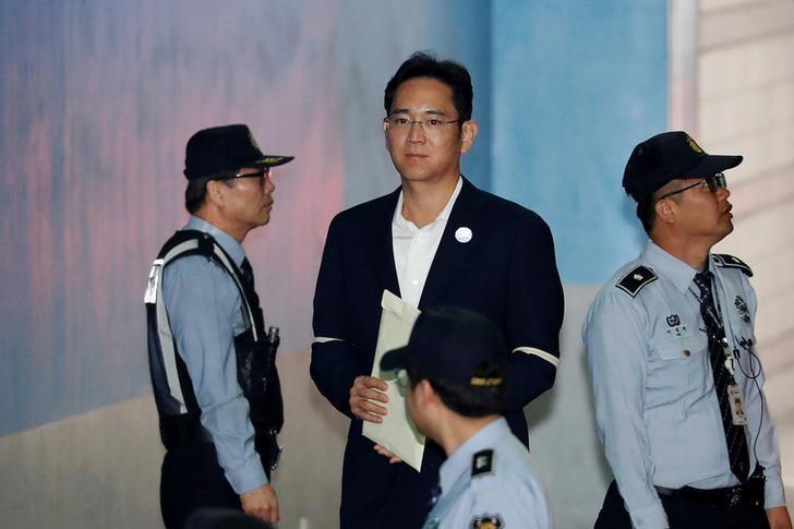 韩国检察官寻求三星继承人李的12年监禁