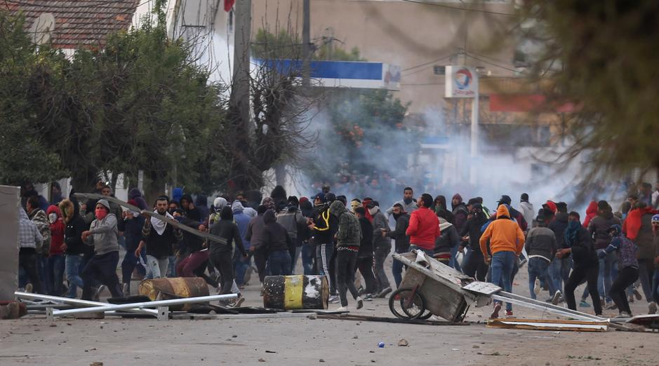 tunisia protest 2018 ile ilgili görsel sonucu
