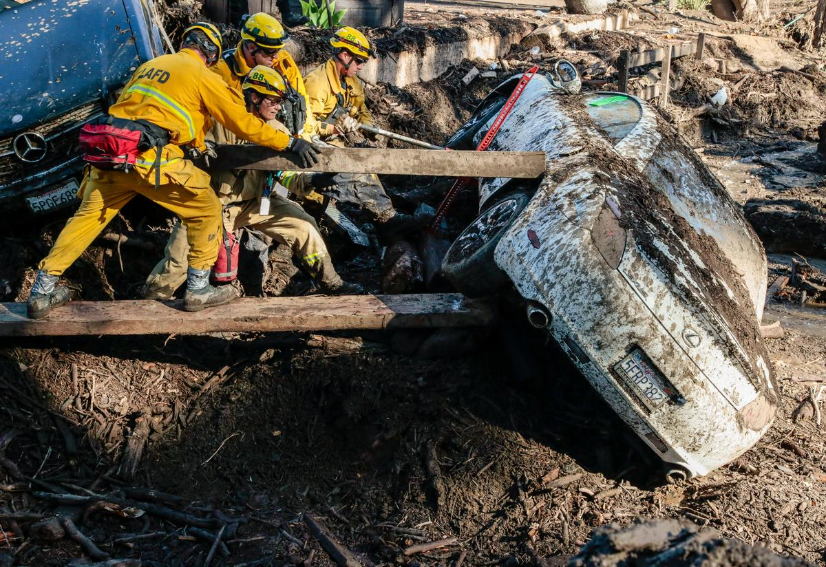 'Window closing' for California mudslide searchers as death toll rises to 18